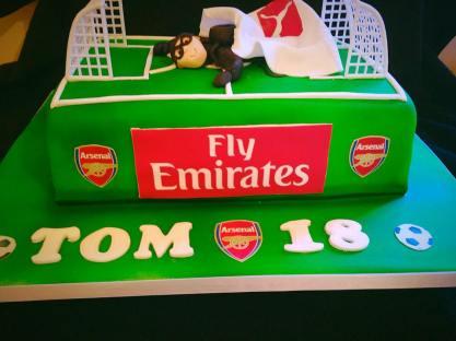 arsenal stadium cake